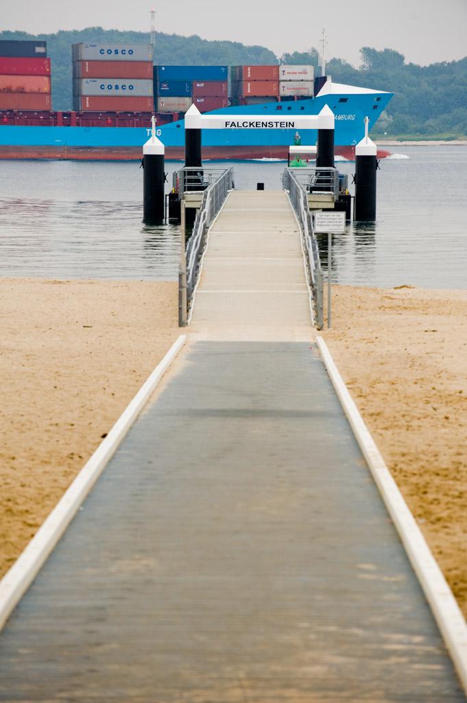 Fähranleger Falckenstein Kiel mit barriefreiem Zugang zur Uferpromenade