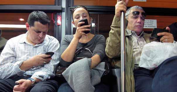 Dauerhaft Smartphone-Nutzung macht krank