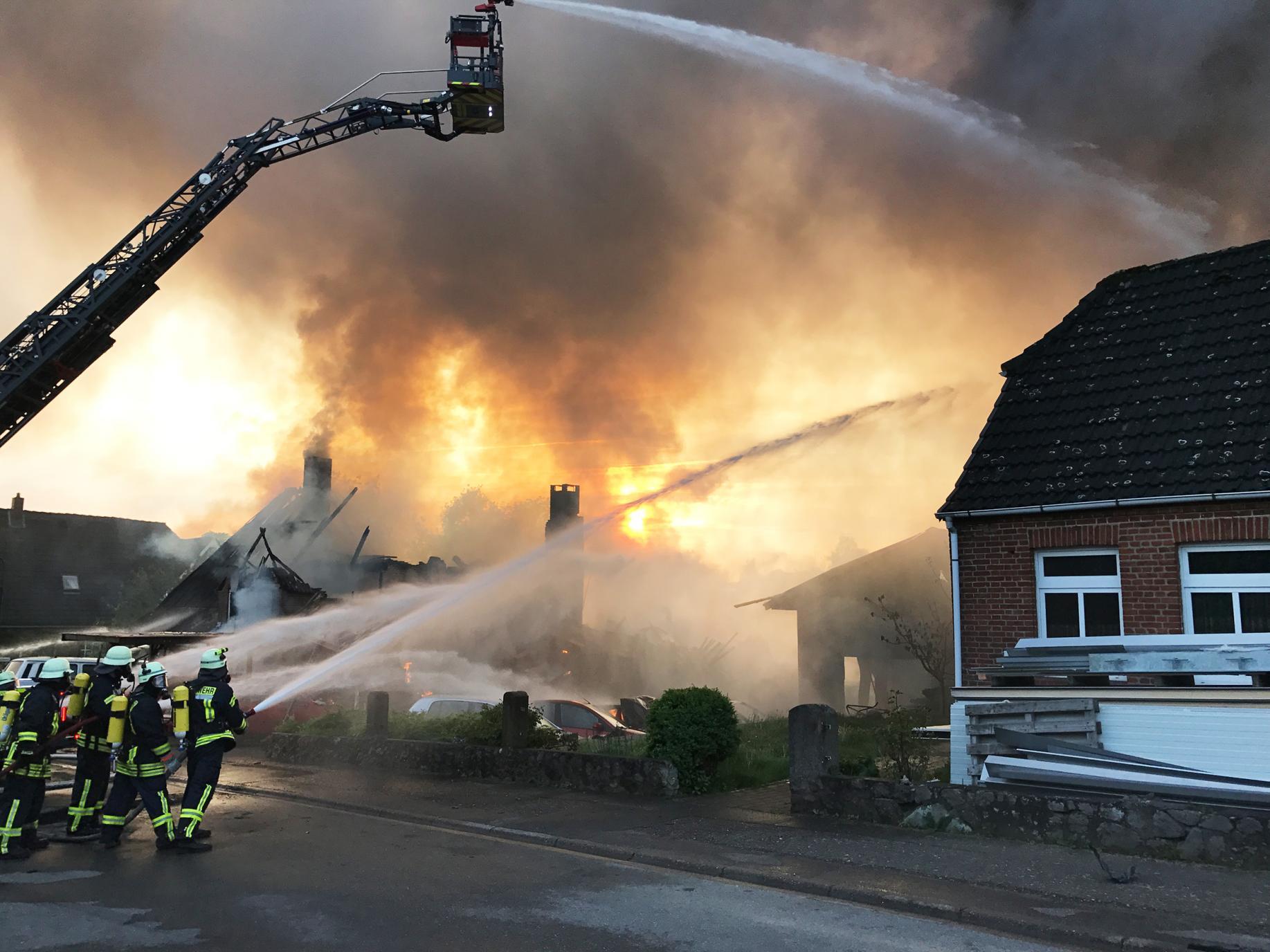 Feuer in Autowerkstatt Langwedel