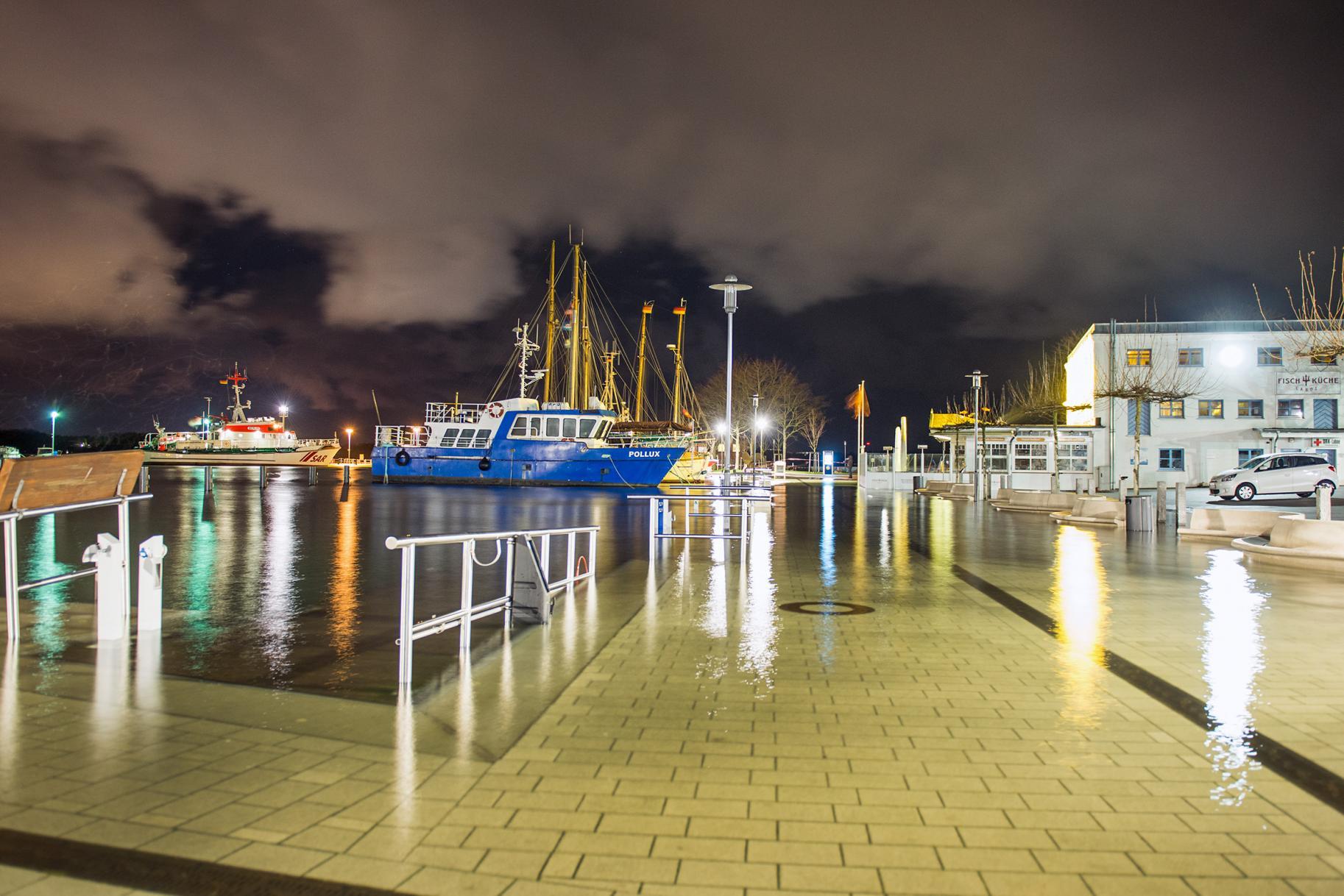 Laboe Hafen Sturmtief Axel Ostsee