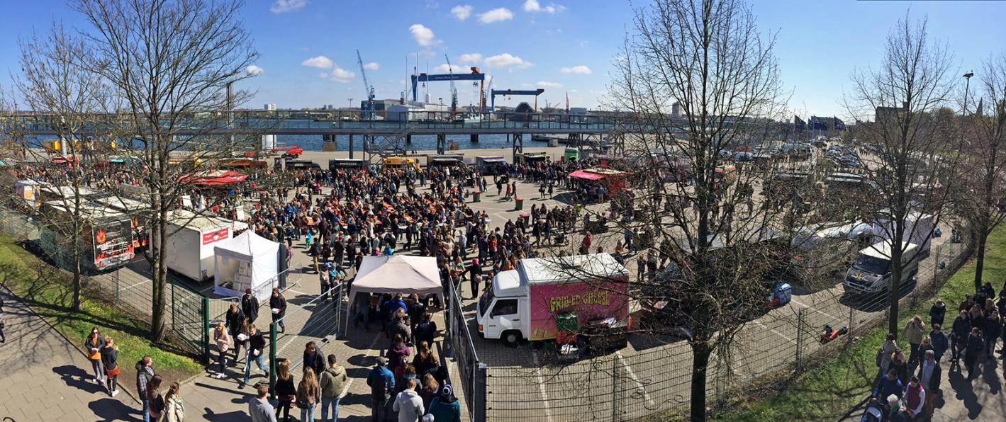 Lange Wartezeit beim Street Food Festival 2016
